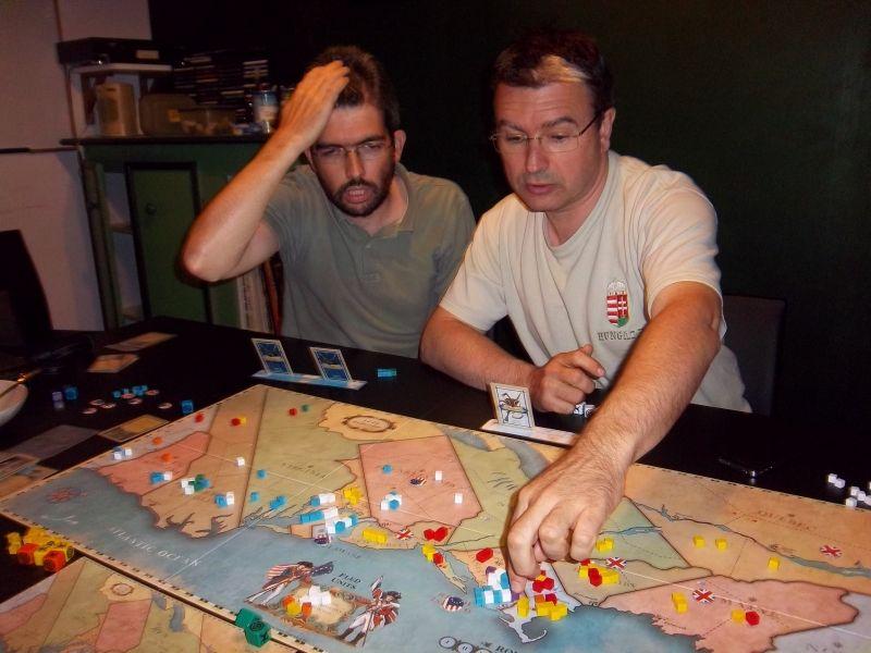 Dernier tour...monsieur Briac semble inquiet mais en fait, ils ont découvert le moyen de remporter cette partie.