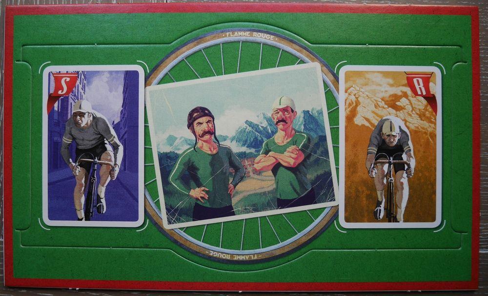 Le plateau de l'équipe verte : Big moustache !