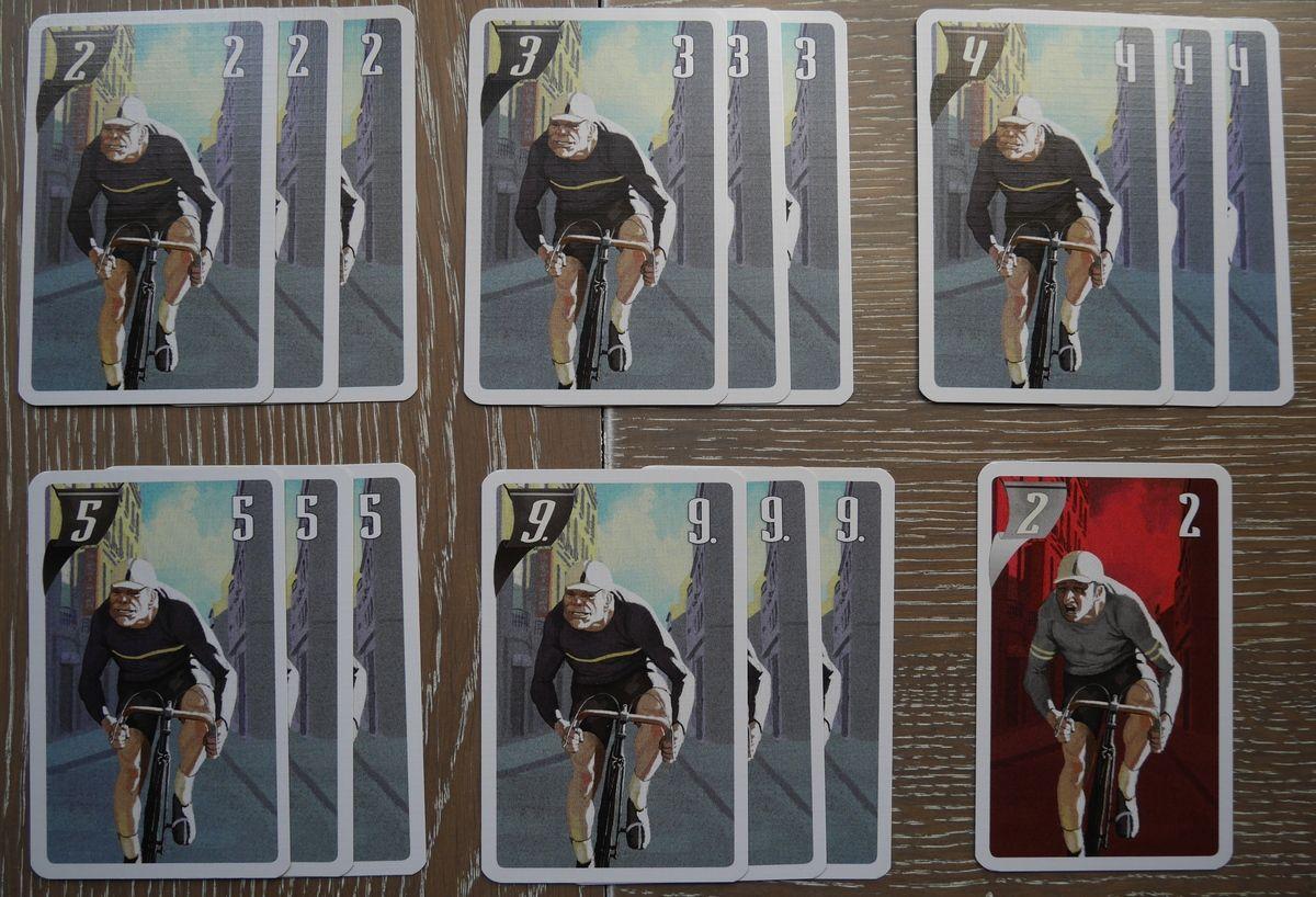 """Les 15 cartes du sprinteur noir et une carte """"fatigue"""" sprinteur."""