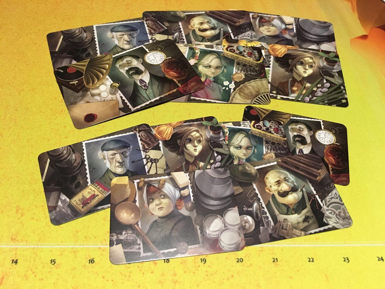 Les cartes personnages pour les médiums et le fantôme