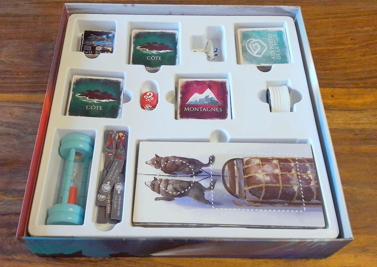 Une boite bien pensée et un bon thermoformage même si on aurait probablement pu réduire l'épaisseur de la boite...