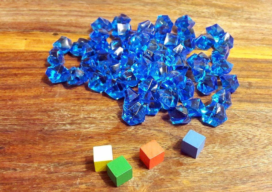 Les cristaux sont le nerf de la guerre ! Les cubes seront vos marqueurs de points sur votre plateaux individuels.