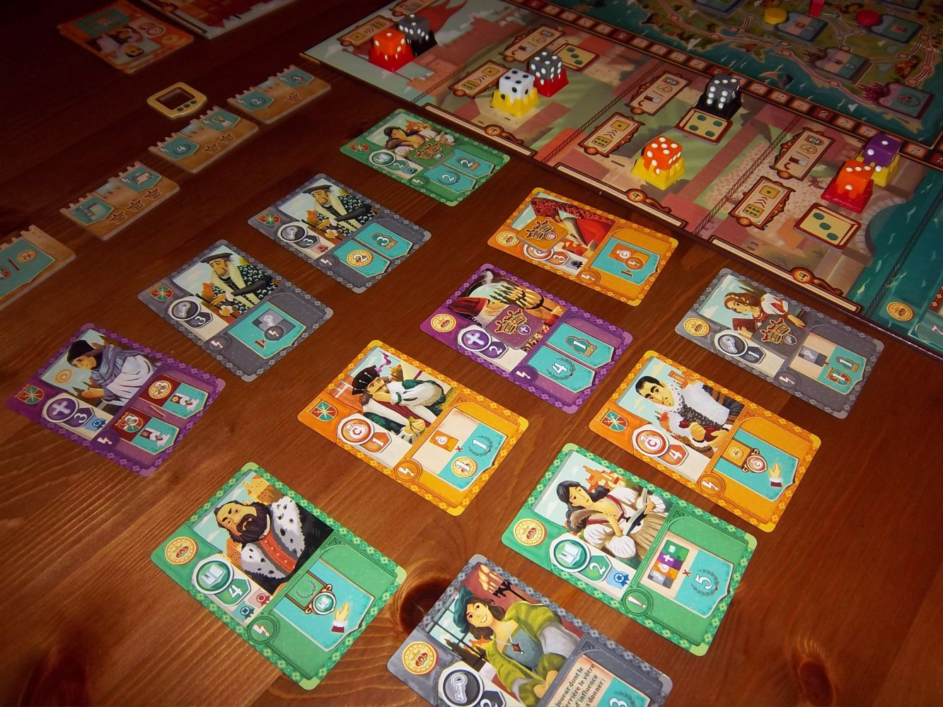 Un aperçu de quelques cartes en jeu durant une manche...