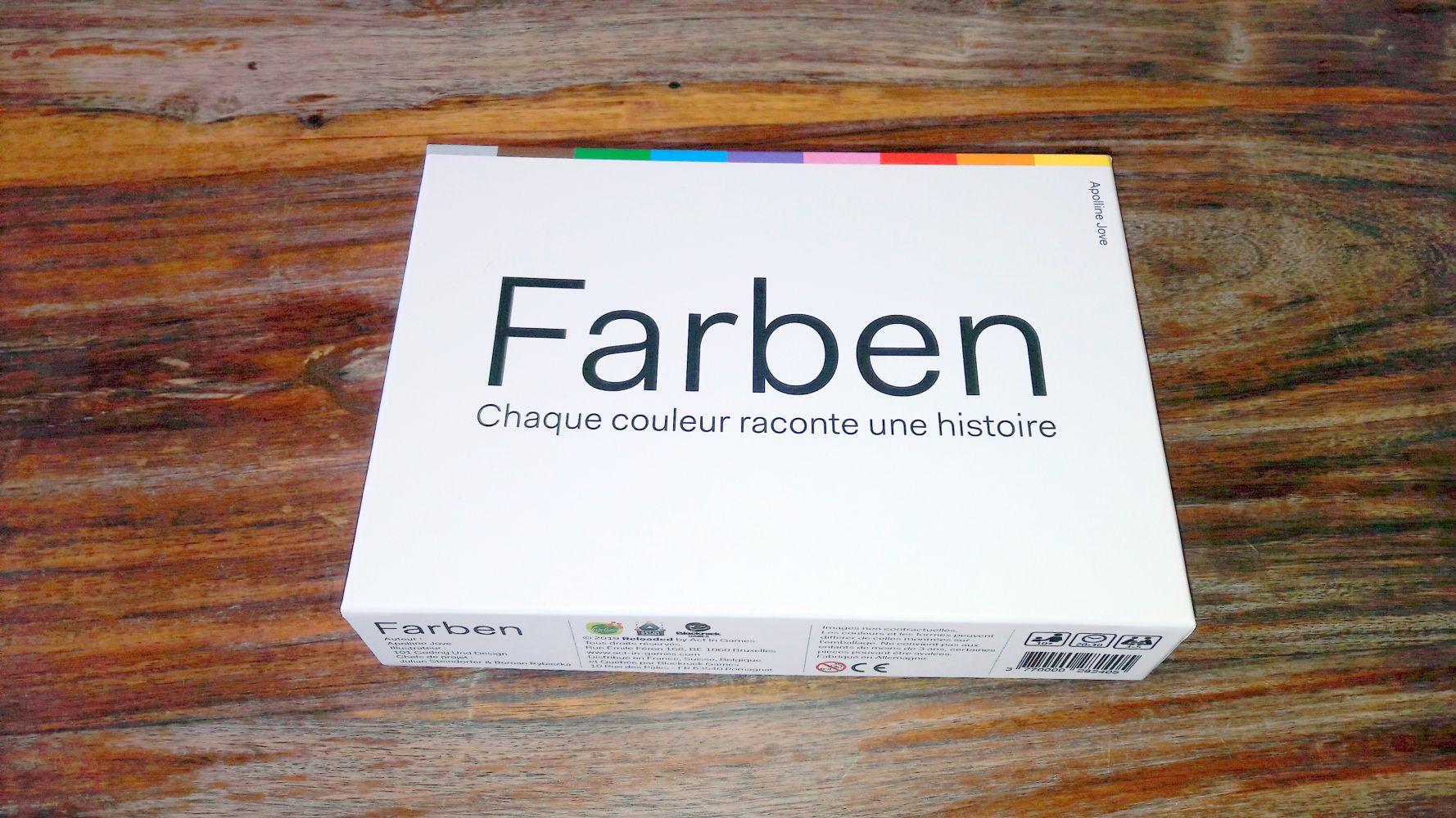 La boite est aussi sobre que la matériel : un mot sur fond blanc et des couleurs !