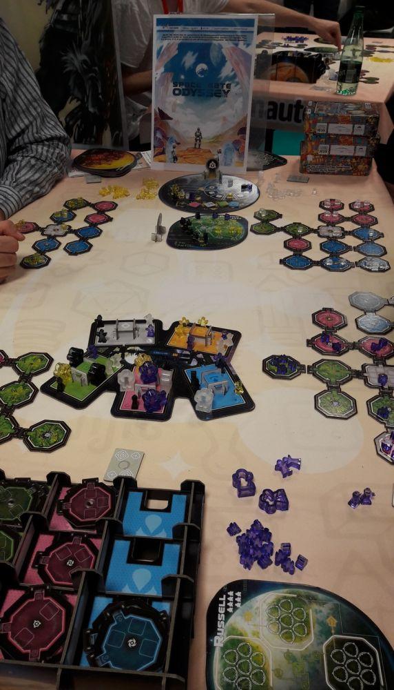 Space Gate Odyssey . Les stations orbitales d'une partie à 4 joueurs