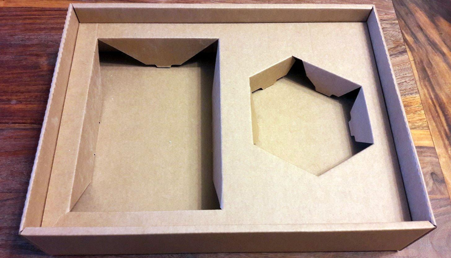 Enfin, le fond carton sur mesure de la boite