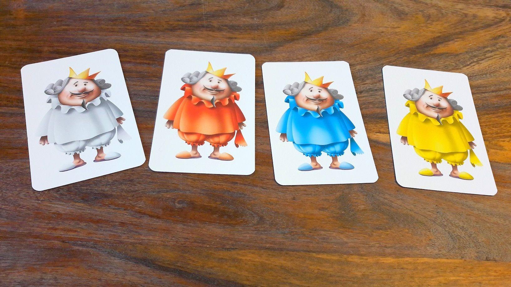 Oui la famille royale possède 4 couleurs de pyjama et chacun en plusieurs exemplaires !