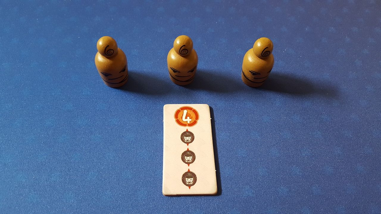 Gagner 4 points si vous avez les 3 pions Yokai devant vous (le Diplôme reste acquis, même si vous n'avez plus les 3 pions Yokai par la suite).