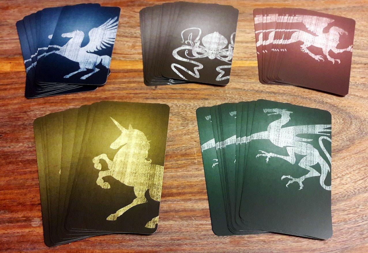 De superbes cartes aux couleurs des 5 familles du royaume !