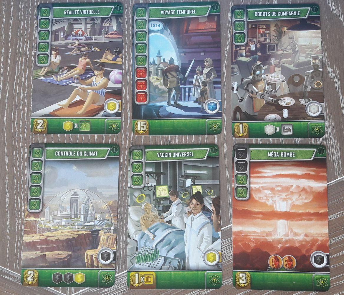 Les vertes : les avancées scientifiques. Toutes ces cartes sont uniques, à l'inverse des grises et des noires qui peuvent être présentes plusieurs fois dans le jeu.  Beaucoup de points et quelques bonnes productions de ressources.