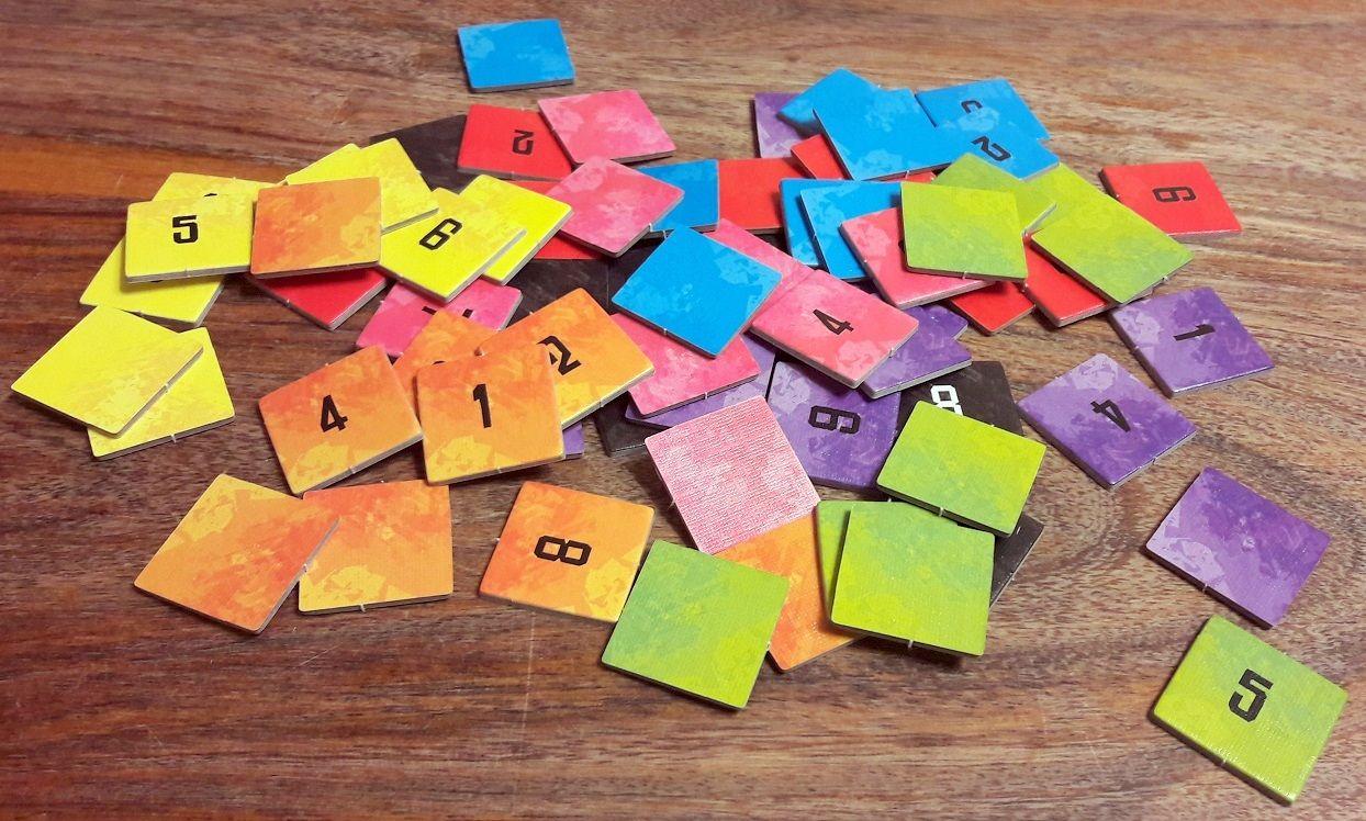 8 jetons par joueur donc dans 8 couleurs différentes.