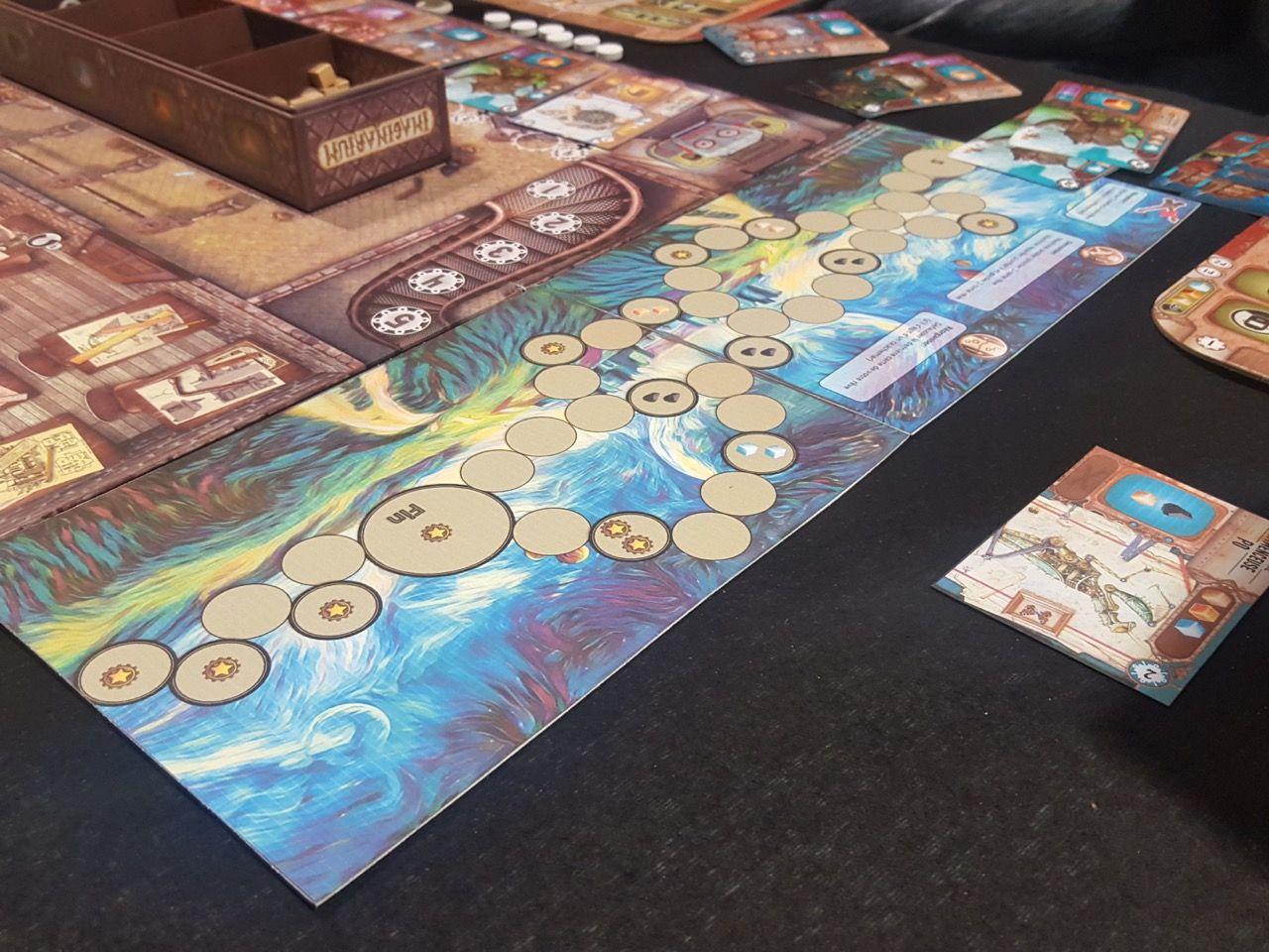 Le plateau des rêves rajouté au dessus-du plateau du jeu de base.