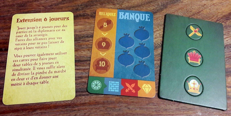 Aussi inclus, le matériel pour jouer à 6 joueurs avec la banque et même 3 reliques originales !
