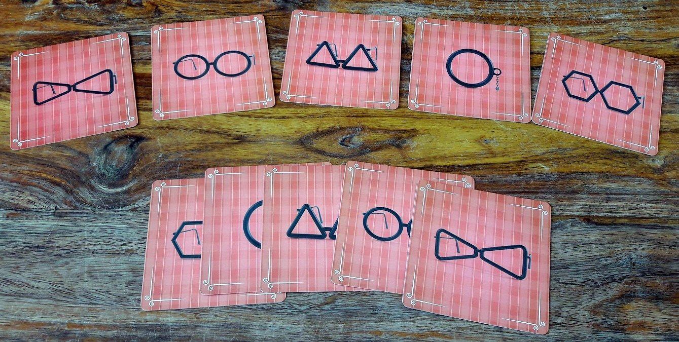 2 cartes de chaque lunette, une seule manquera à l'appel : celle du coupable !