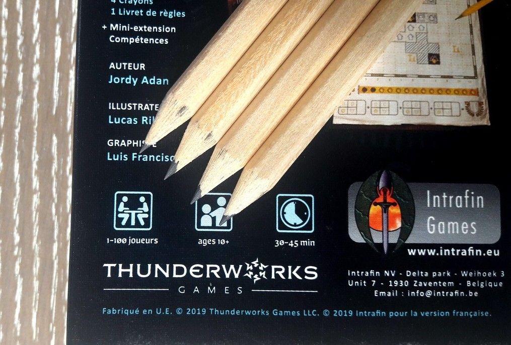 4 crayons basiques type Ikea ou Casto ;) mais pas de gomme