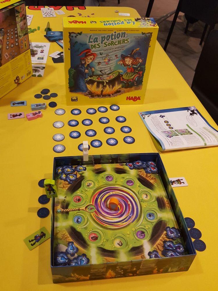 La potion des sorciers un jeu de Stefan Kloß et Anna Opposer à partir de 5 ans .
