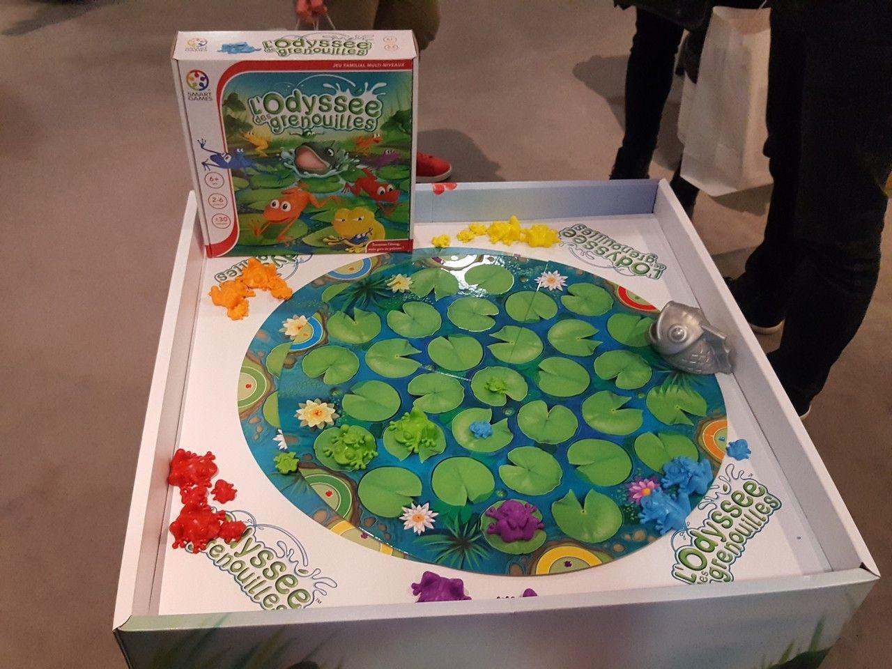 On passe chez Smart Games avec l'odyssée des grenouilles, avec pour changer le premier jeu multijoueurs de 2 à 6 joueurs à partir de 6 ans.