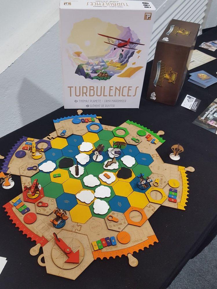 Turbulences le jeu de Thomas Planete et Samy Maronnier chez Thomas Planete.