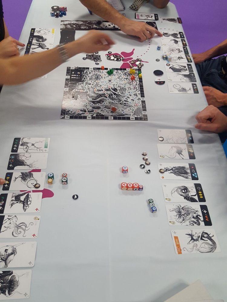 Un jeu pour 2 à 4 joueurs à partir de 8 ans pour une trentaine de minutes.