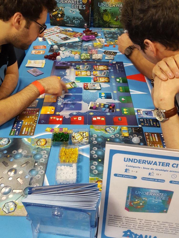 Underwater Cities le jeu de pose d'ouvriers de Vladimir Suchý.