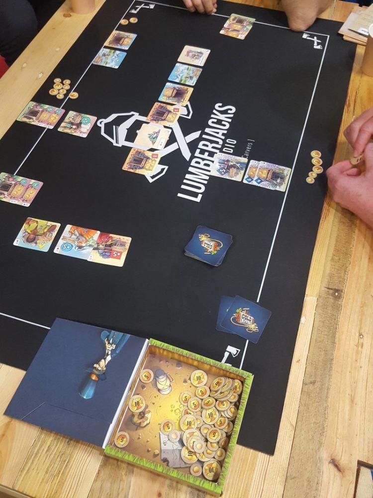 Chez les Lumberjacks, Gold River la réédition de la Fièvre de l'Or (2004)  le  jeu de Bruno Cathala et Bruno Faidutti...