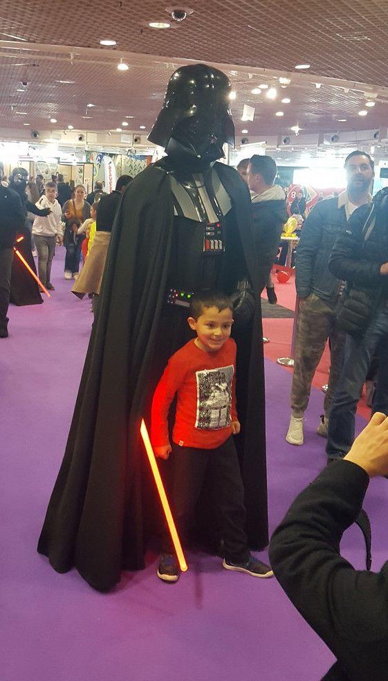 Changement de décor... Oui je suis monté à l'étage pour rejoindre l'espace enfant et retrouver notre Jedi Cyril ( non, lui ce n'est pas son père !!!).