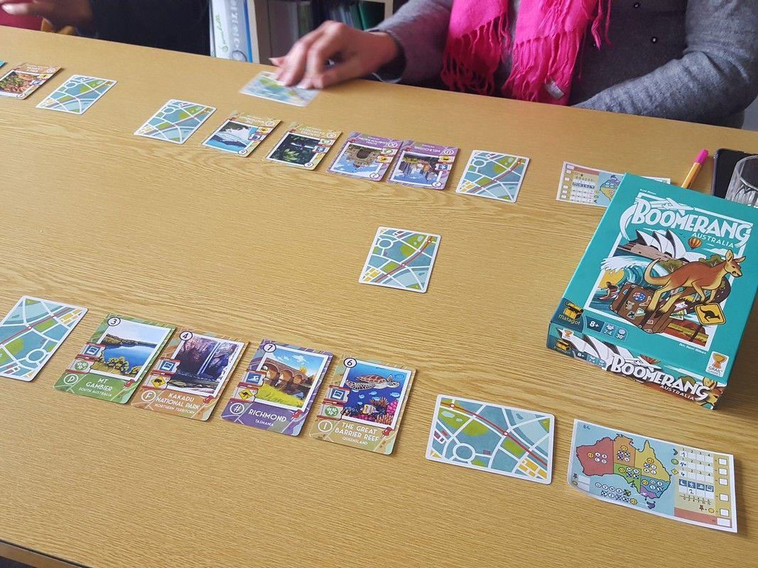 le tour de jeu : on drafte les cartes pour tenter de marquer de points dans diverses catégories.