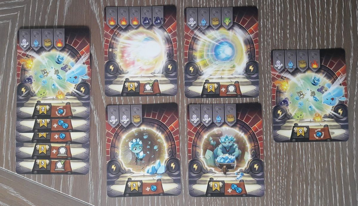 Les pouvoirs divers plus ou moins pratiques : terminer un deuxième portail gratuitement, récupérer un portail supplémentaire à ouvrir, réorganiser les cristaux déjà posés, ajouter 1 ou 2 cristaux dans la réserve.