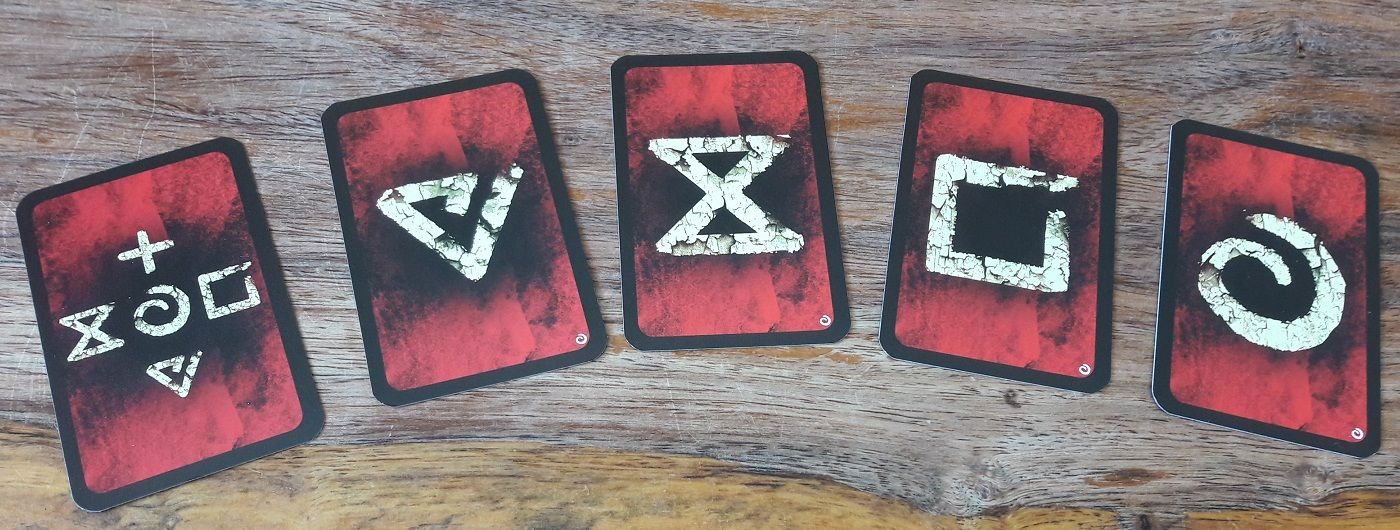 5 cartes repaires apporatn 5 symboles différents