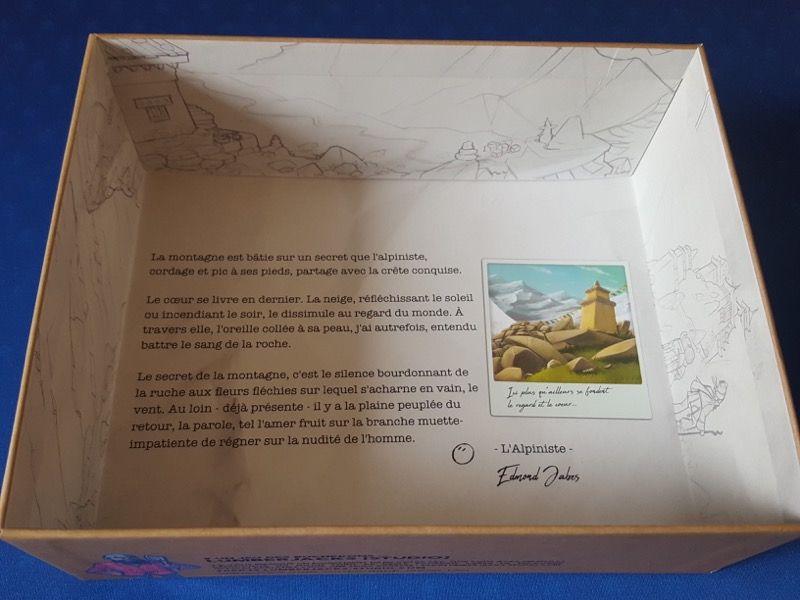 L'intérieur de la boite joliment illustrée. Un plus... merci Lumberjacks ;)