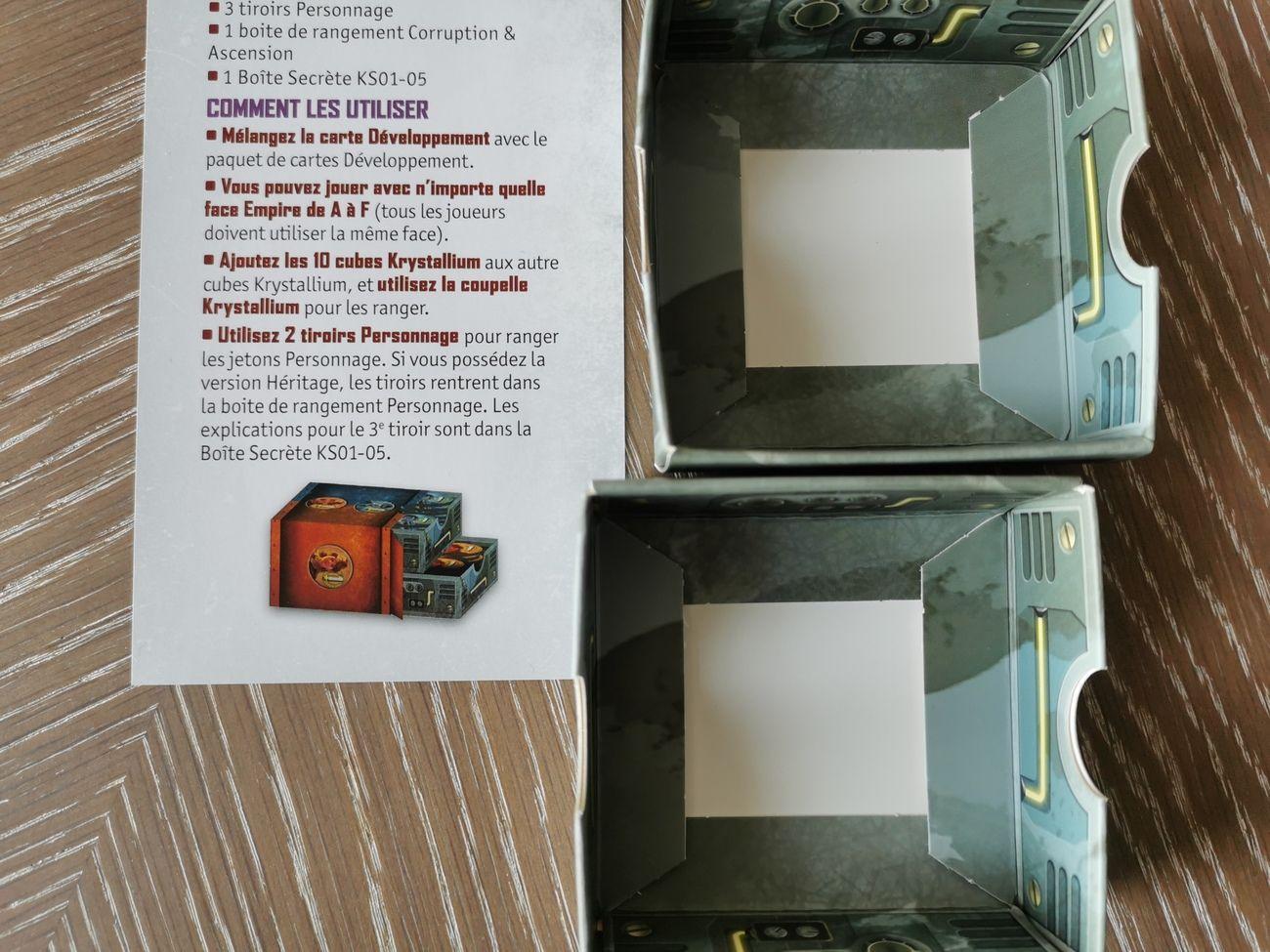 Les deux tiroirs et leur note explicative.