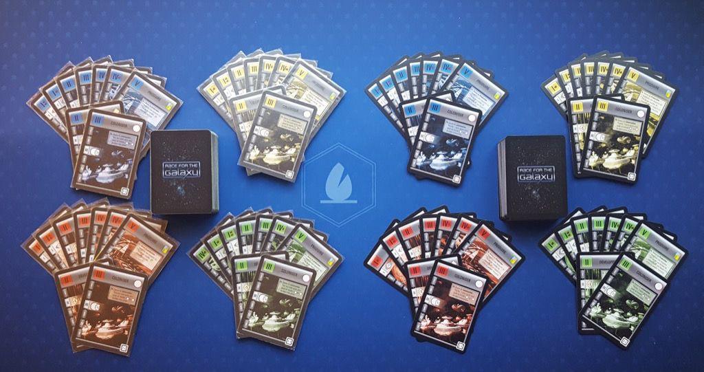 Tous à l'identique et toujours les 2 cartes Action en double pour la variante Expert à 2 joueurs.