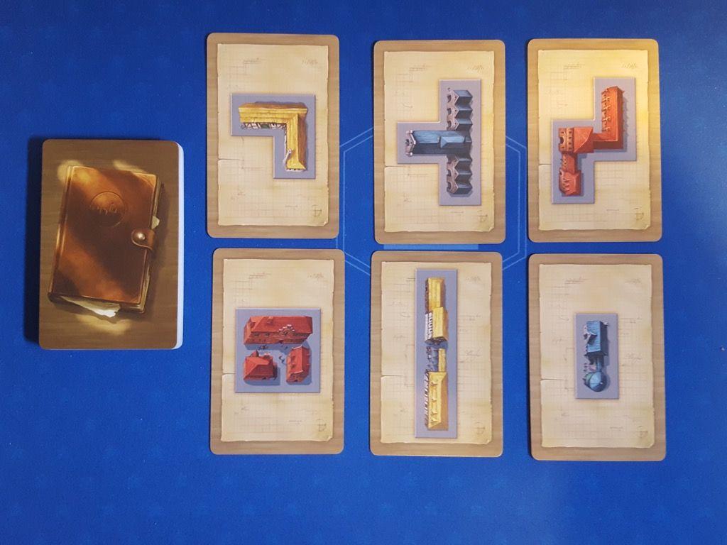 Quelques cartes avec des  polyominos et des couleurs différentes.