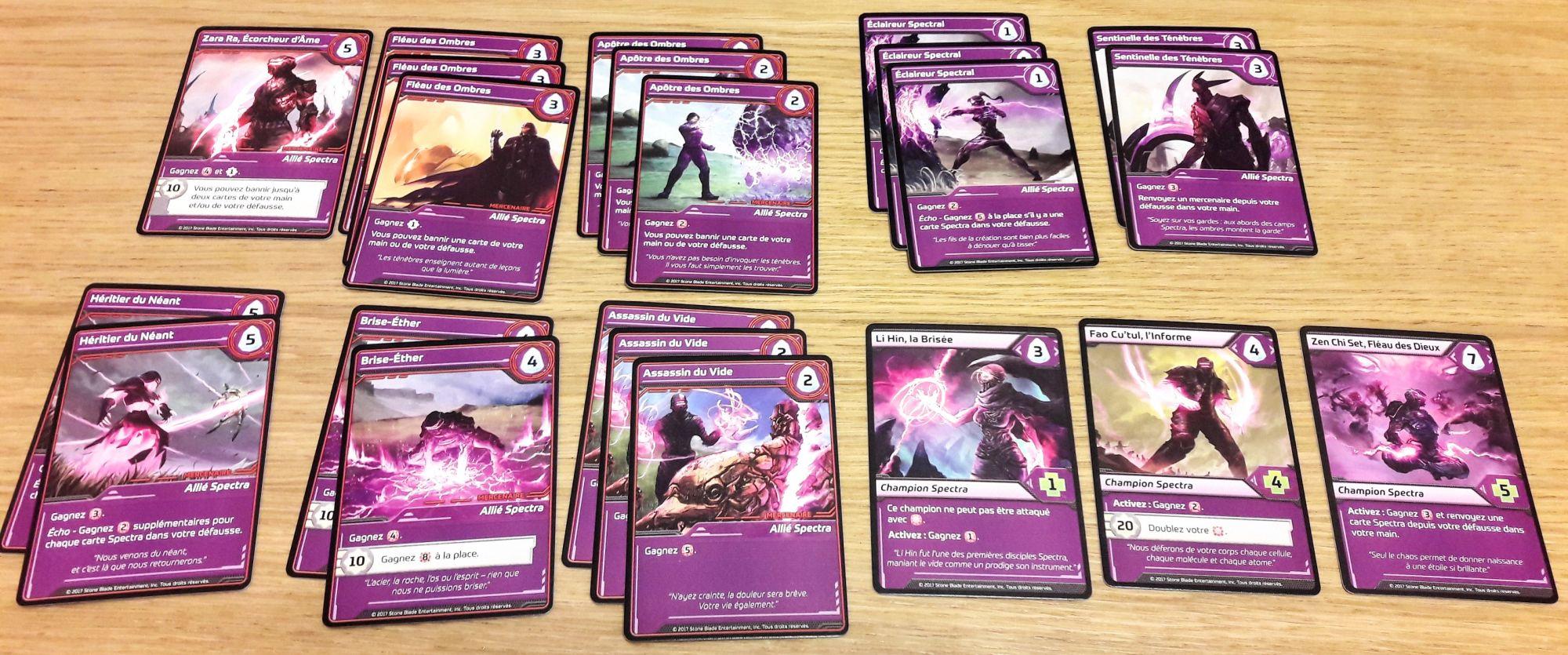 Attaques, attaques et destructions de cartes !