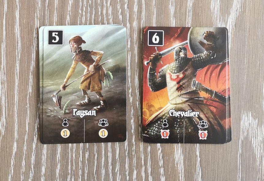 5 joueurs donc 5 cartes de chaque