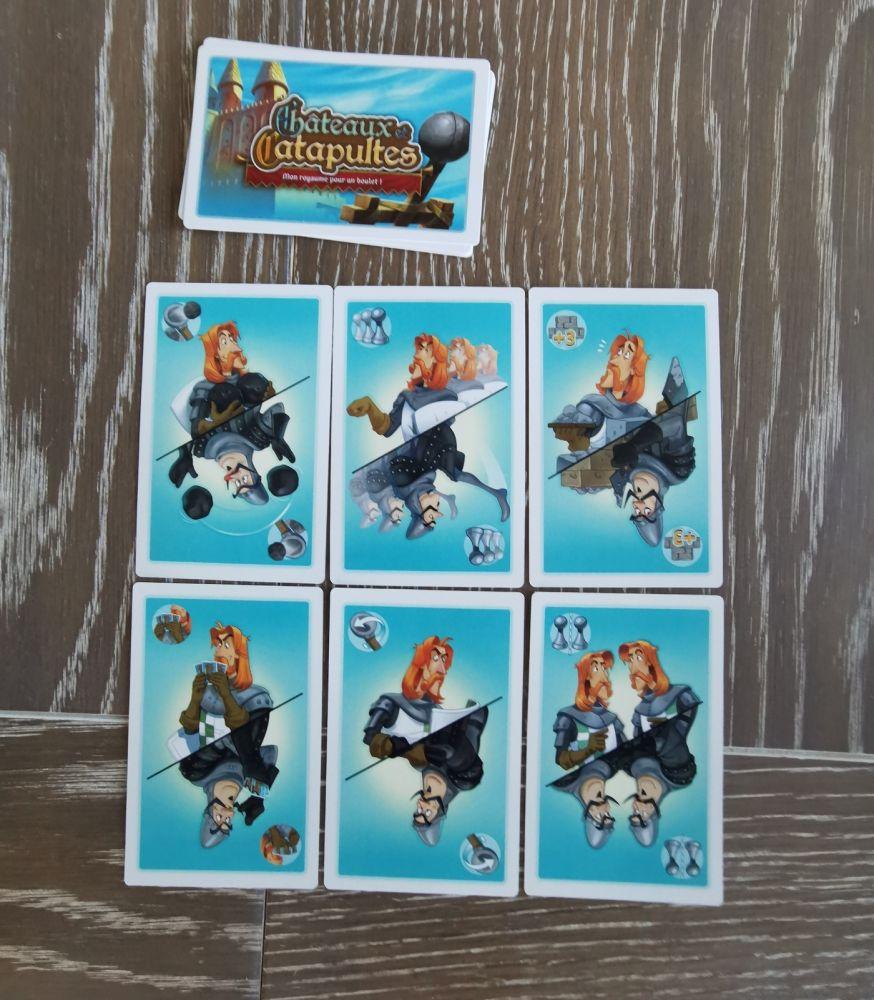 6 cartes par joueur. toutes identiques. Le mime du cavalier de la deuxième carte donne la filiation des inspirations de l'illustrateur : Monty python, Sacré graal