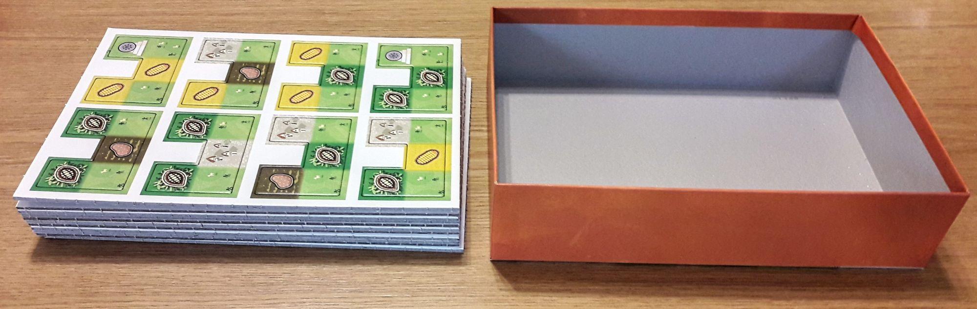 Plus de la moitié de la boîte est pleine de carton super épais de plus de 2mm !!!