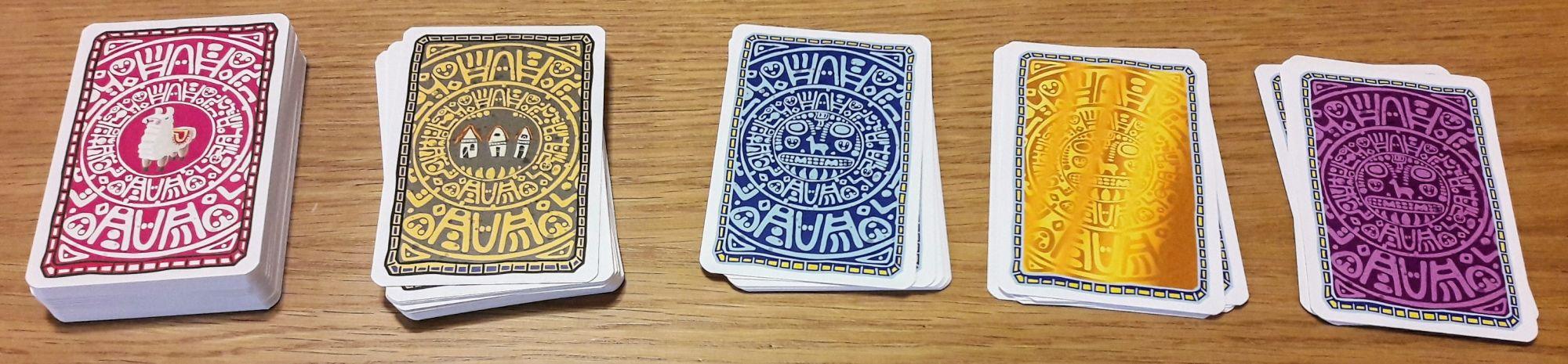 Différents dos pour différentes cartes.