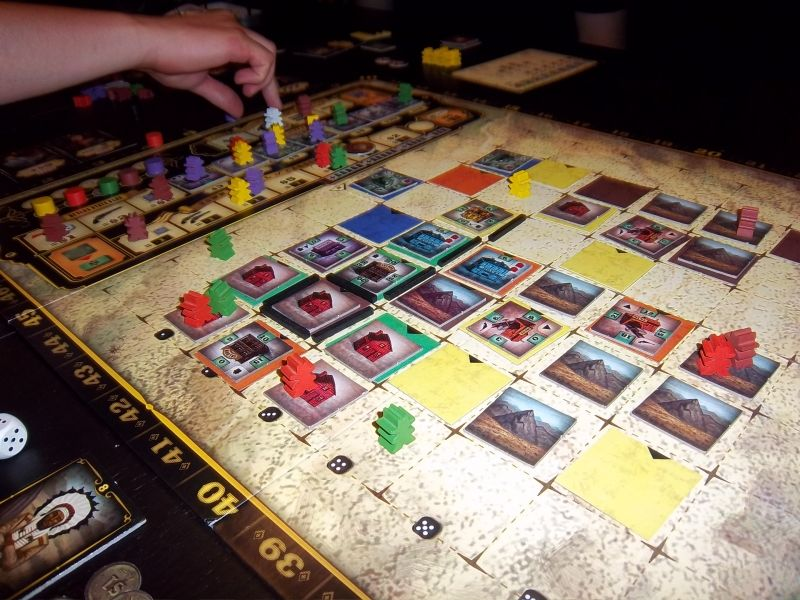 A 5 joueurs, le plateau est rapidement recouvert...et les duels sont nombreux.