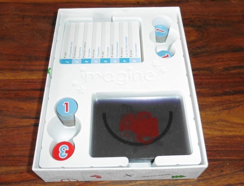 Un thermoformage bien adapté mais qui cache une boite bien trop grande comme souvent...