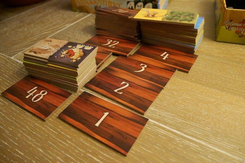 Les tuiles côté pile sont numérotées de 1 à 48.