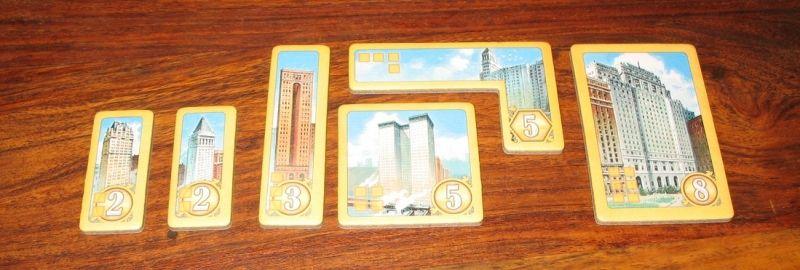 Quelques petits, mais surtout 2 gros et un immense gratte-ciel !