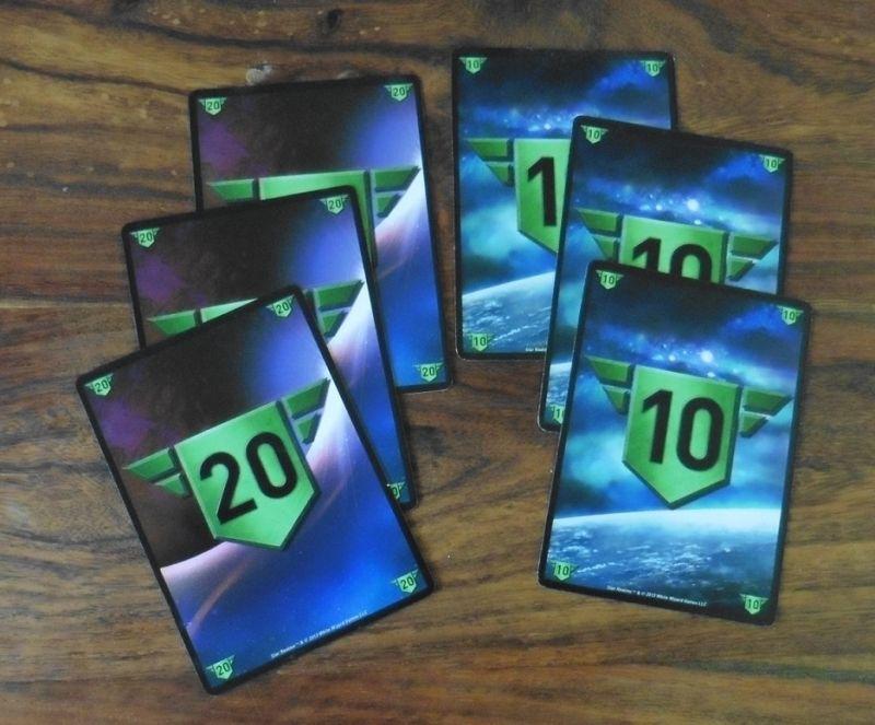 Les cartes pour compter les points d'influences sont recto (20) verso (10) : malin !
