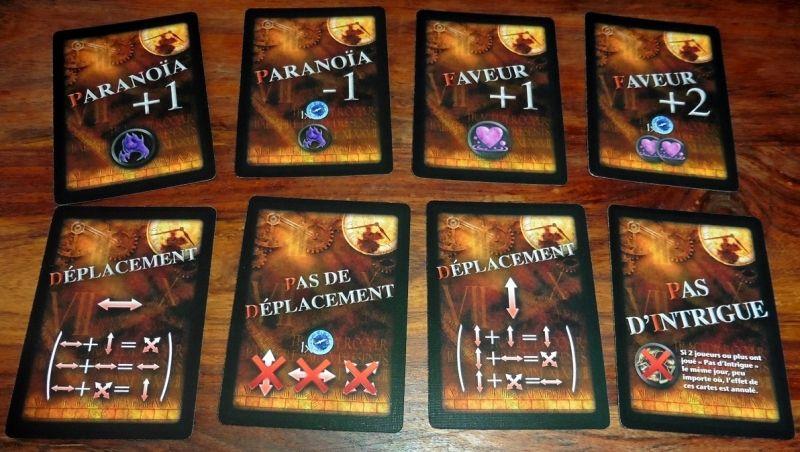 Chaque joueur possède sa propre main avec des déplacements, de la paranoïa et des faveurs !