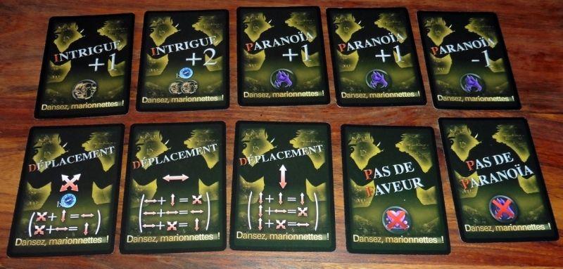 Pas mal de cartes en commun, mais aussi des cartes Intrigue et d'autres pour empêcher certains événements...