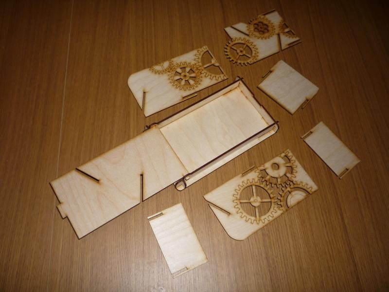 La boite et l'ensemble des pièces détachées