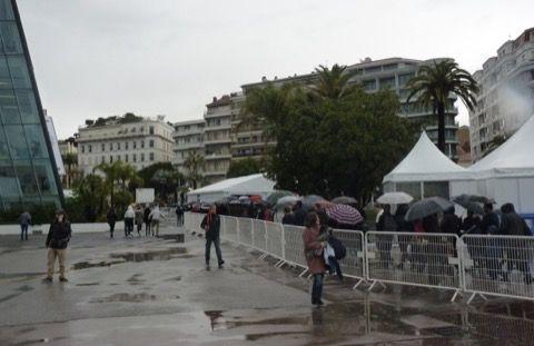 Où on se rend compte que malgré le froid, la pluie, le plan vigipirate... il y a vraiment du monde pour venir jouer au FIJ