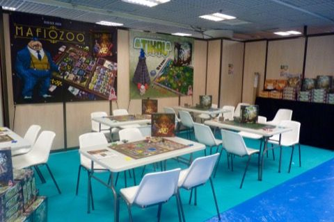 Stand Super Meeple
