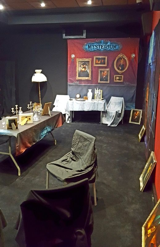 Libellud innove cette année en proposant une murder Mysterium spécialement aménagée dans une salle du 5ème étage du palais.