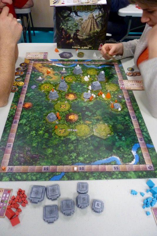 La réédition de Tikal le Kramer/Kiesling chez SuperMeeple.